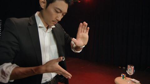 Atsushi Ono – Japanese Magician