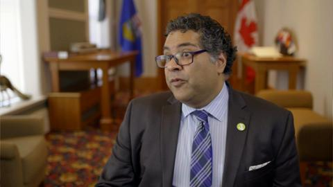 Naheed Nenshi – South Asian mayor