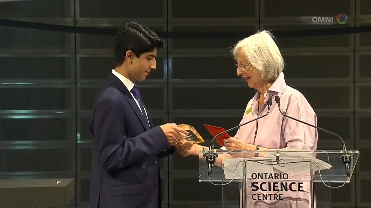 Young inventor's mass casualty monitoring device wins award