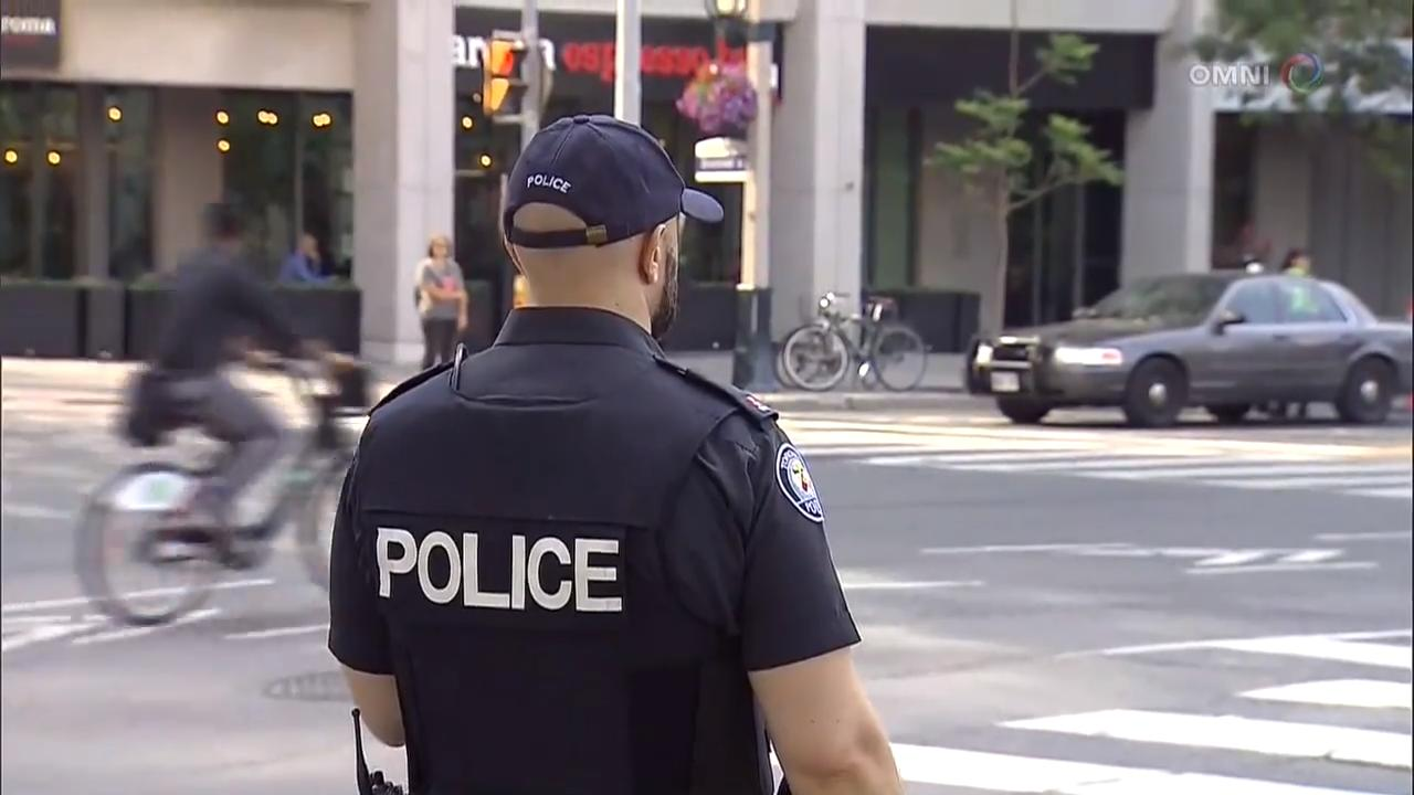 警方在多伦多市中心提高戒备 – Jul 12, 2018(ON)