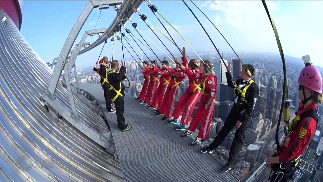New Canadians sky-high on the CN tower