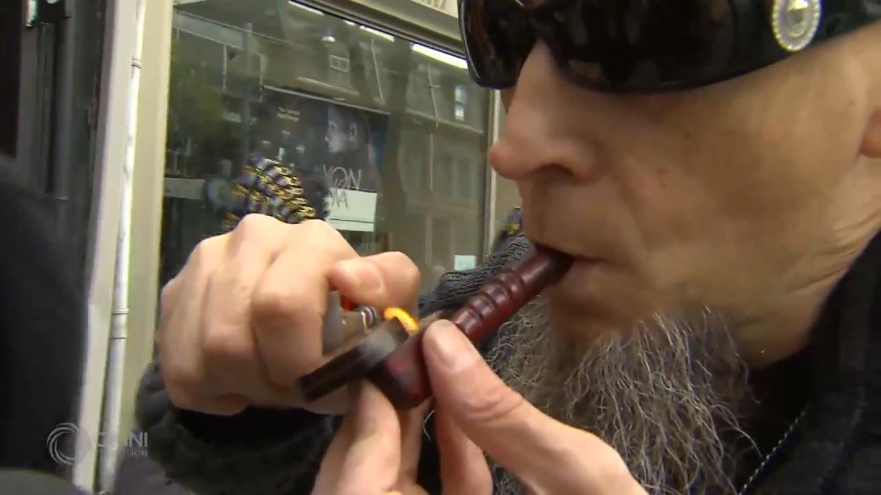 大麻合法化有人欢喜有人抗议– Oct 17, 2018 (ON)